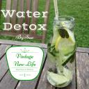 Boisson detox à la menthe, concombre, citron et citron vert.